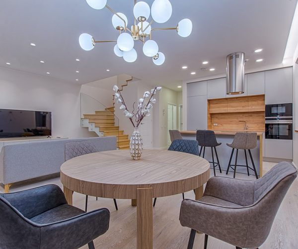 contemporary round dining table uk